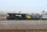 NS 5225 and CSX 1127